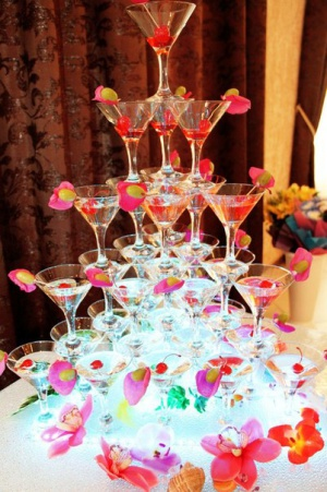 Горка шампанское – эффектное появление на празднике