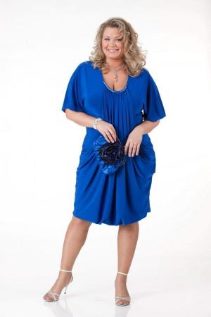 Женская одежда больших размеров имеется в интернете!