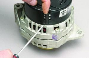 Как отремонтировать генератор автомобиля?