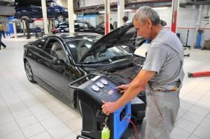 Где выполнят ремонт автокондиционера?