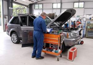 Распространенные услуги СТО: ремонт стартеров, диагностика авто и т.д.