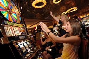 С каких сумм стоит начать играть в слоты онлайн на деньги?