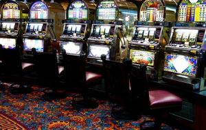 С каких игровых автоматов начиналась история казино?