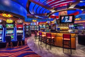 Как в казино онлайн играть бесплатно?